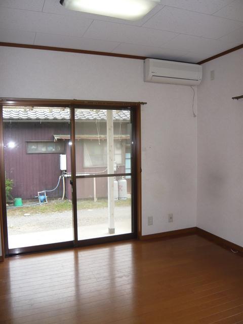 総社町 吉田貸住宅のリビング