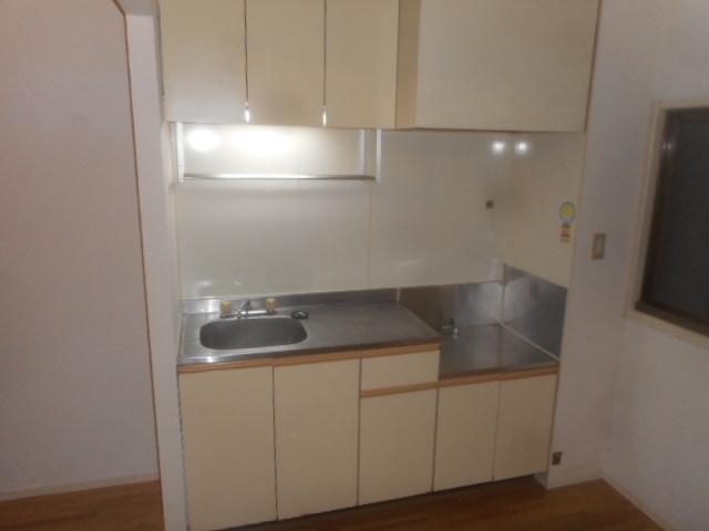 エクセル鈴木 201号室のキッチン