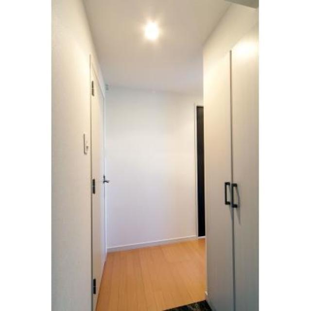 ユーストリア駒沢 906号室の玄関