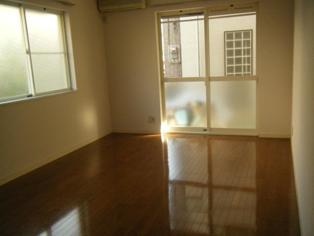 サニ-ヒル 101号室のリビング