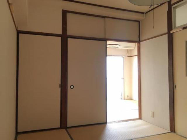 マンソンオウロ 305号室のリビング