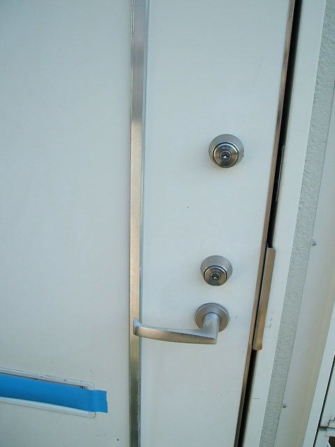 ハイツ伊藤 202号室の玄関