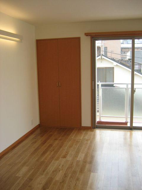 Alta Todoroki 202号室のリビング