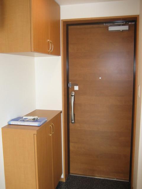Alta Todoroki 202号室の玄関