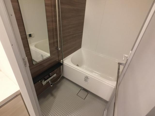 ザ・パークハビオ目黒 1207号室の風呂