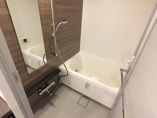 ザ・パークハビオ目黒 1405号室の風呂