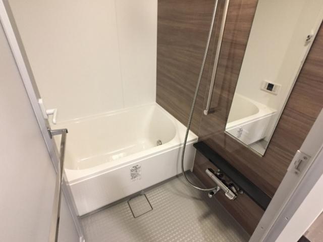 ザ・パークハビオ目黒 1406号室の風呂