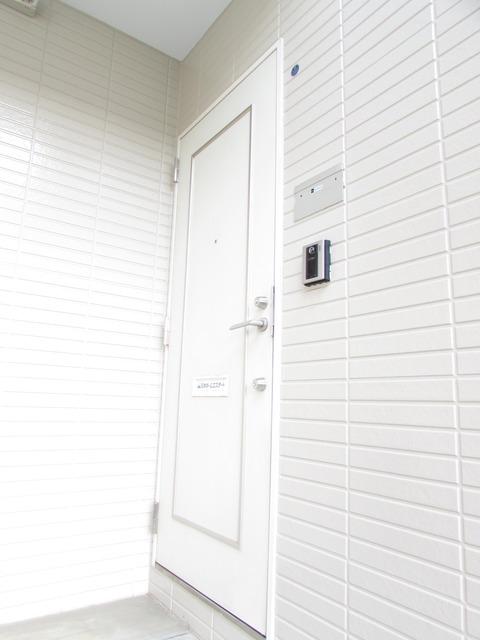 パティオ陣屋Ⅰ 202号室の玄関