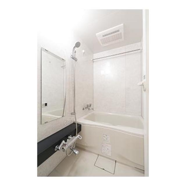 ジーリョ自由が丘 101号室の風呂