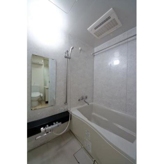 ジーリョ自由が丘 401号室の風呂