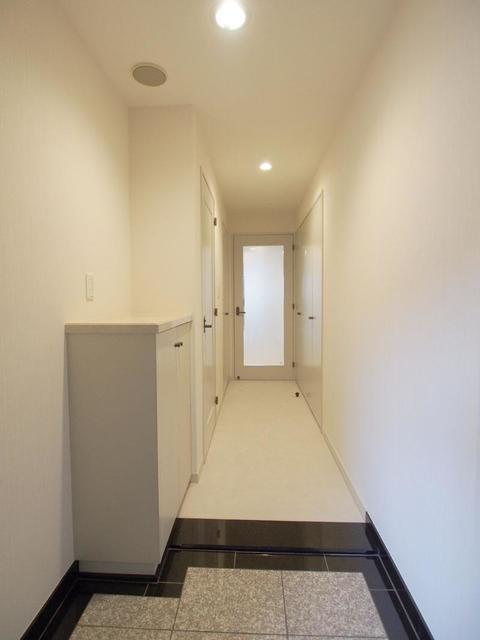 恵比寿ガーデンテラス弐番館 1218号室の玄関