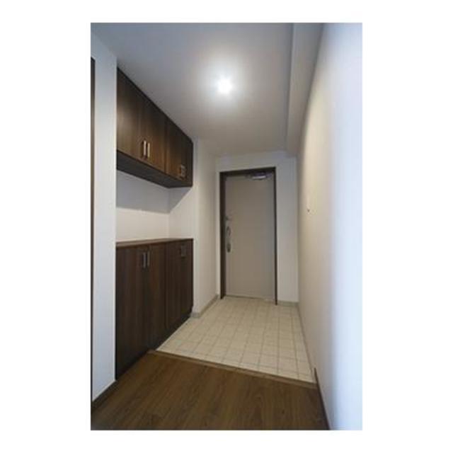 コリーヌ緑ヶ丘グラン 202号室の玄関