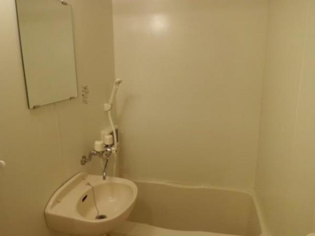 八景舎自由が丘 101号室の風呂
