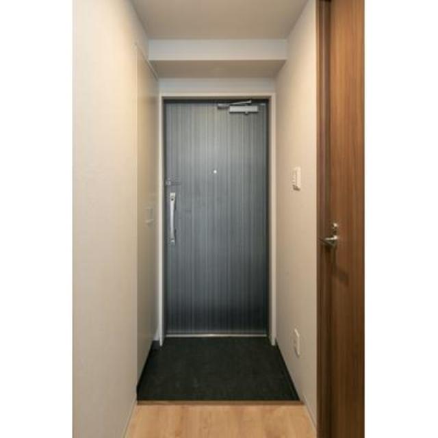ビアンコネロ雪谷大塚 407号室の玄関