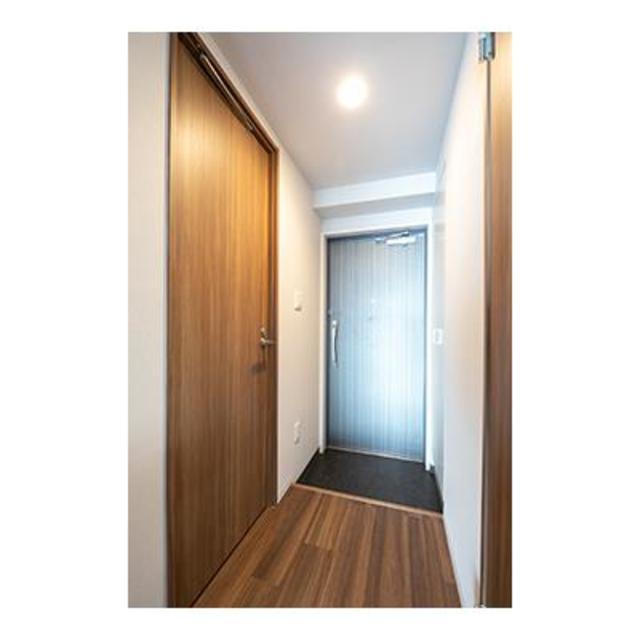 ビアンコネロ雪谷大塚 502号室の玄関