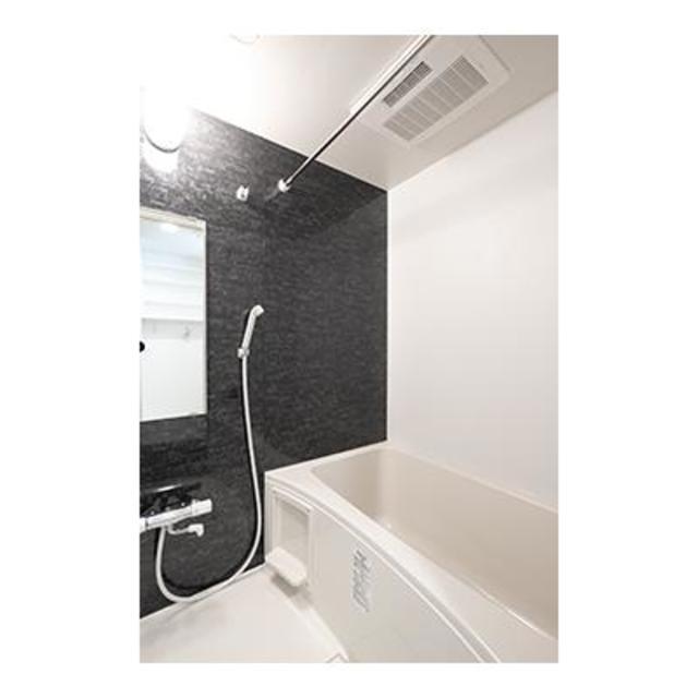 ビアンコネロ雪谷大塚 502号室の風呂