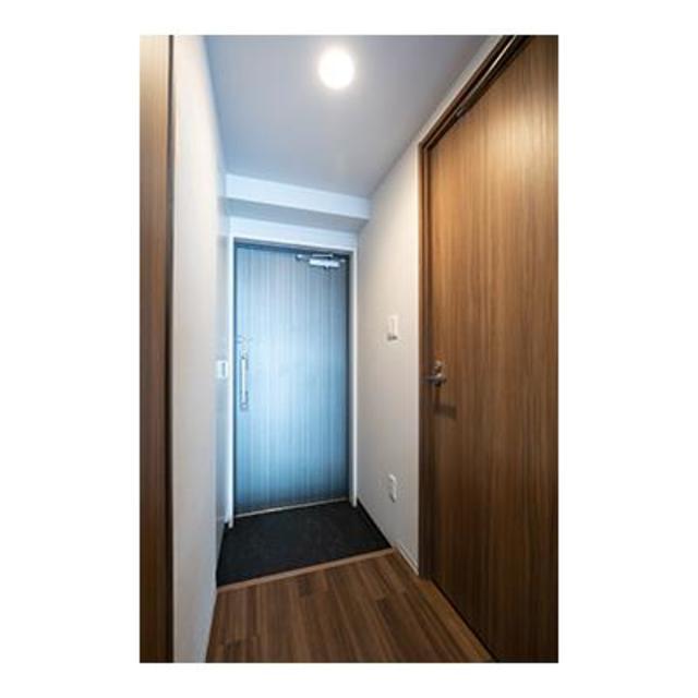 ビアンコネロ雪谷大塚 503号室の玄関