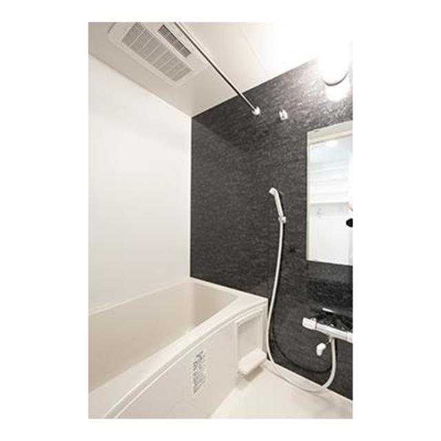ビアンコネロ雪谷大塚 503号室の風呂