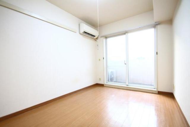 ジョイフル浦和 204号室の居室