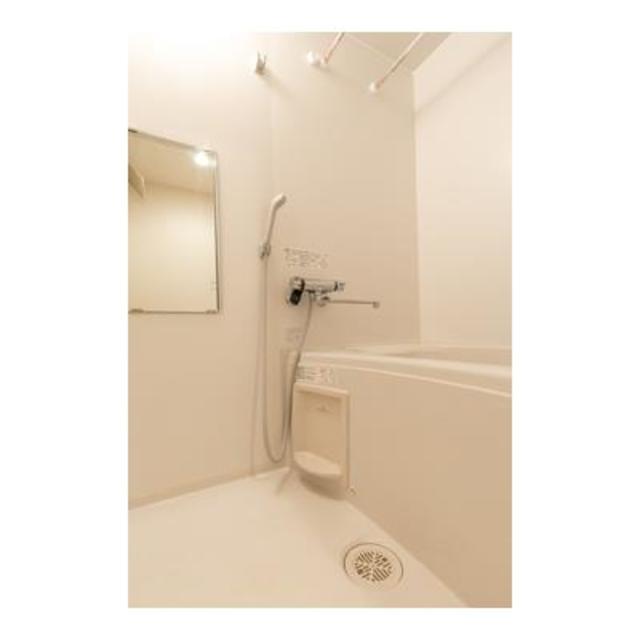 ルミエール田園調布 301号室の風呂