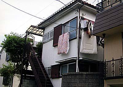 ワイズアパートメント外観写真