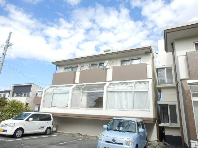 上島ロイドアパートC外観写真
