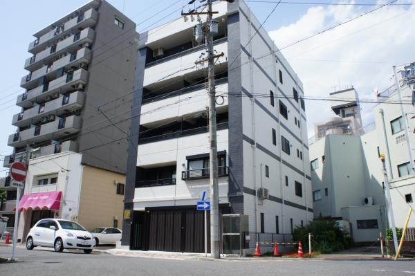IMK Building外観写真