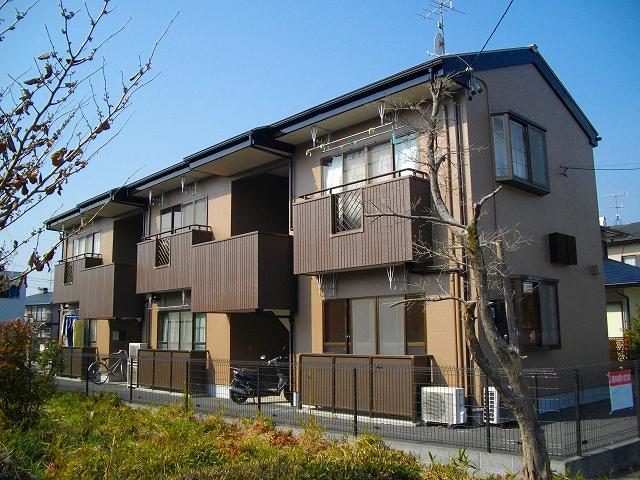 クローバー横須賀外観写真