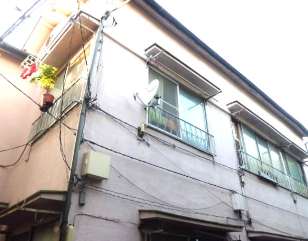 三興荘 1号室の外観