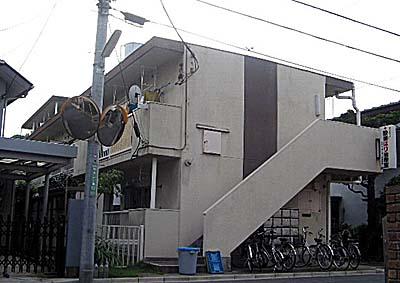 シャイン駒沢 301号室の外観
