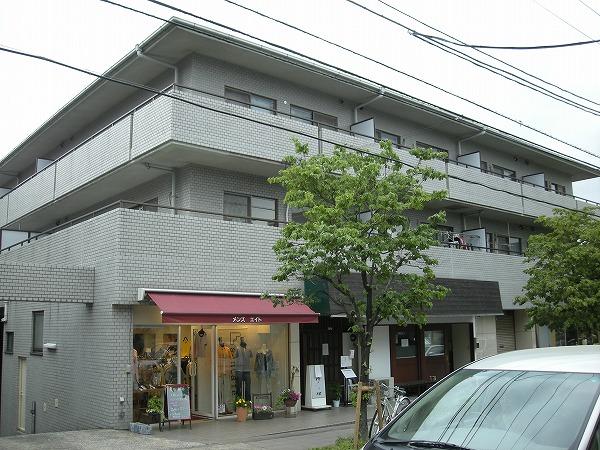 パストラル野沢壱番館 205号室の外観