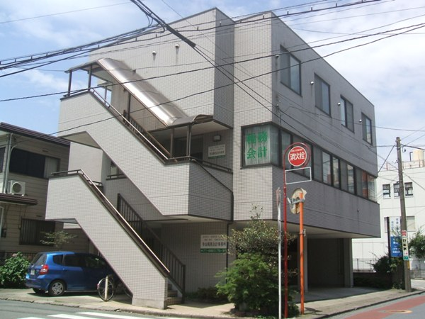 寺山マンション 303号室の外観