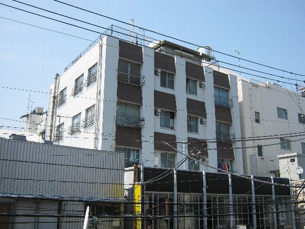 内田マンション 304号室の外観