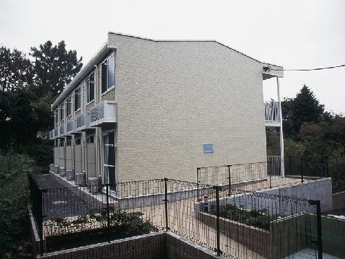 レオパレスツバキハウス外観写真