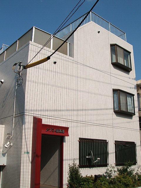メゾン佳鳳楼 201号室の外観