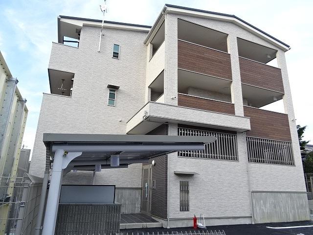 久御山町市田アパート外観写真