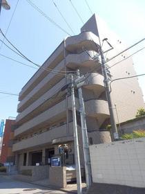 新田町小川マンション外観写真