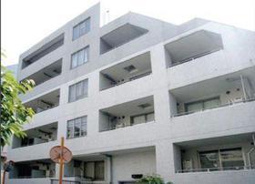 アパートメンツ目黒行人坂 104号室の外観