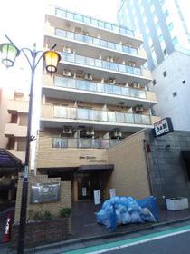 ライオンズマンション新宿5丁目外観写真
