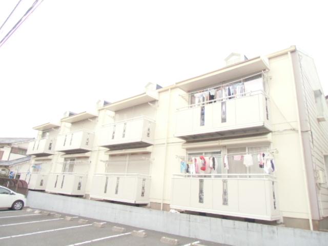 パールハイツ飯塚外観写真