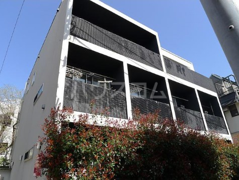 ホワイトフィールド西小山 102号室の外観