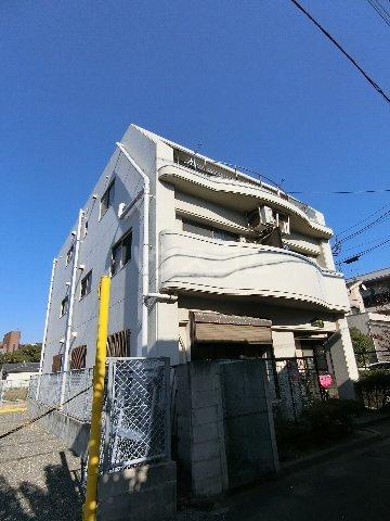 プランドゥ箱崎宮前 101号室の外観