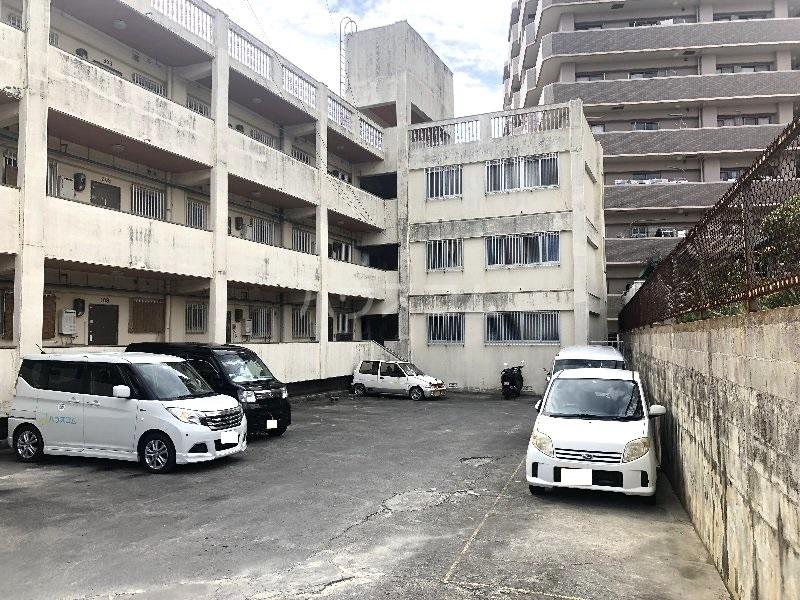 栄アパート外観写真