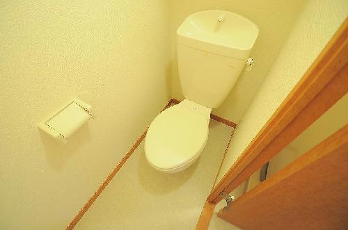 レオパレスにしまとば 209号室のトイレ