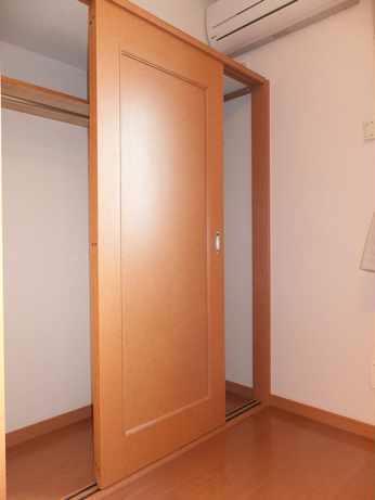レオパレスKOTOBUKI 105号室の収納