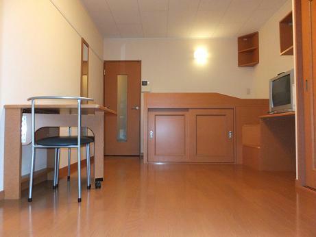 レオパレスKOTOBUKI 110号室のリビング