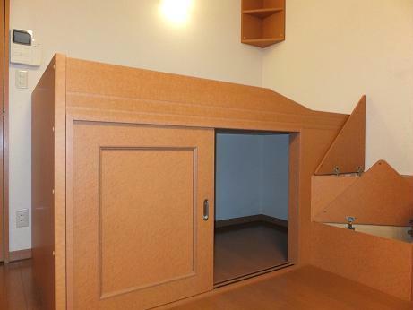 レオパレスKOTOBUKI 110号室の収納