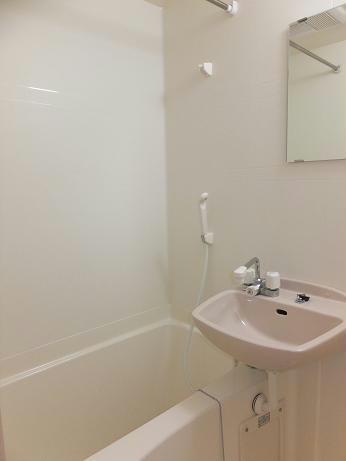 レオパレスKOTOBUKI 110号室の風呂