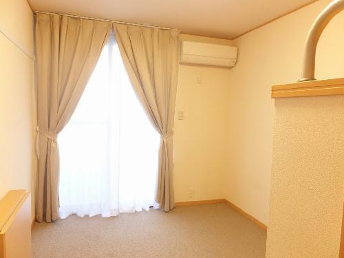 レオパレス角 204号室のリビング