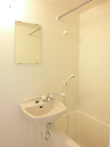 レオパレス角 204号室の風呂